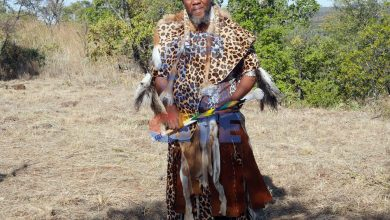 Photo of Chief Ndiweni backs white farmer in land wrangle with police