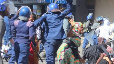 Photo of Police crack down on Harare protestors