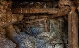Photo of Four artisanal miners trapped as shaft collapses